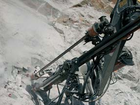 Doofor DF550L hydraulic rock drill in action