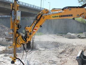 Doofor DF560L hydraulic rock drill in action